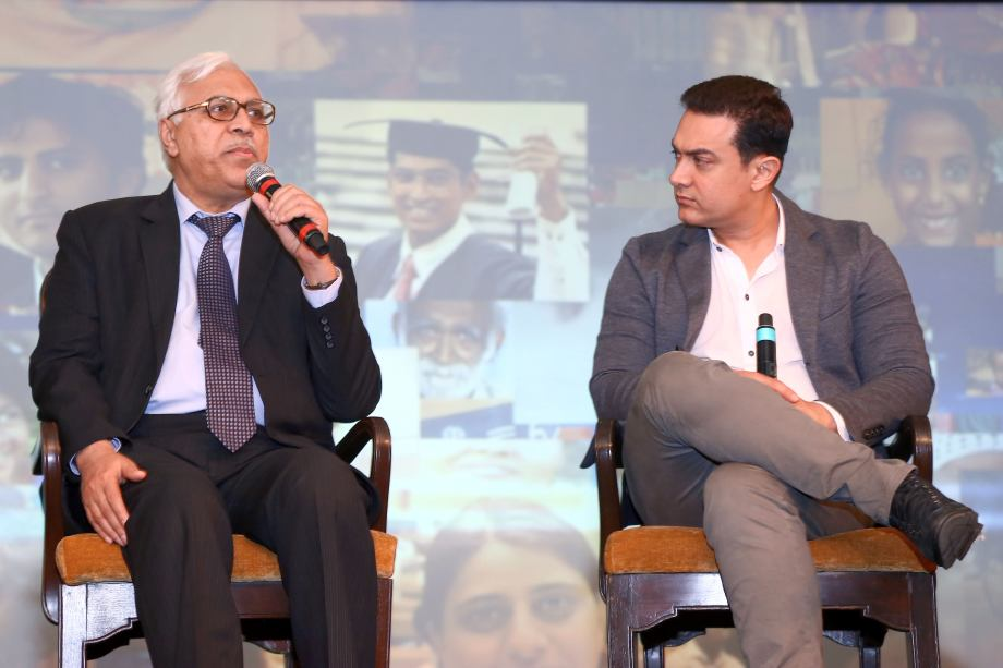 Dr SY Quraishi, Former Chief Election Commissioner with Aamir Khan